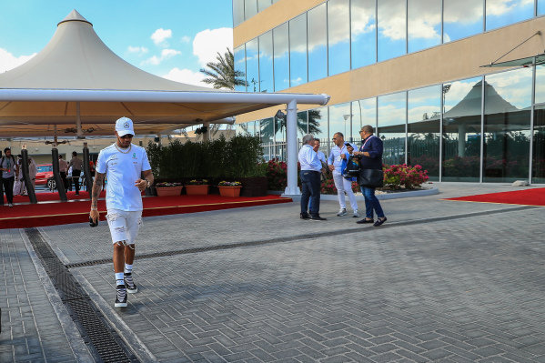 Lewis Hamilton (GBR) Mercedes AMG F1 at Formula One World Championship, Rd20, Abu Dhabi Grand Prix, Race, Yas Marina Circuit, Abu Dhabi, UAE, Sunday 26 November 2017.