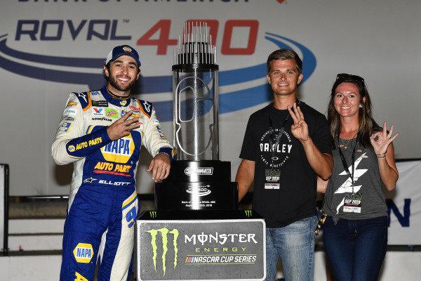 #9: Chase Elliott, Hendrick Motorsports, Chevrolet Camaro NAPA AUTO PARTS celebrates his win in Victory Lane