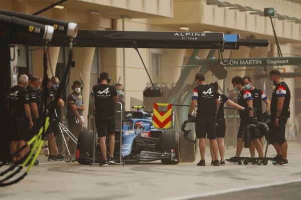 Esteban Ocon, Alpine A521, stops in the pits