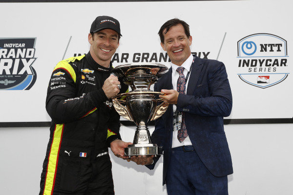 Simon Pagenaud, Team Penske Chevrolet, podium, IMS President Doug Boles
