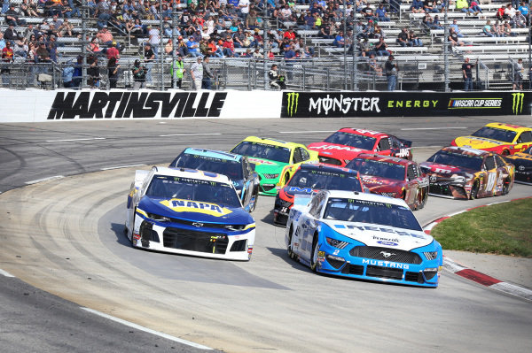#2: Brad Keselowski, Team Penske, Ford Mustang Reese/DrawTite #9: Chase Elliott, Hendrick Motorsports, Chevrolet Camaro NAPA AUTO PARTS