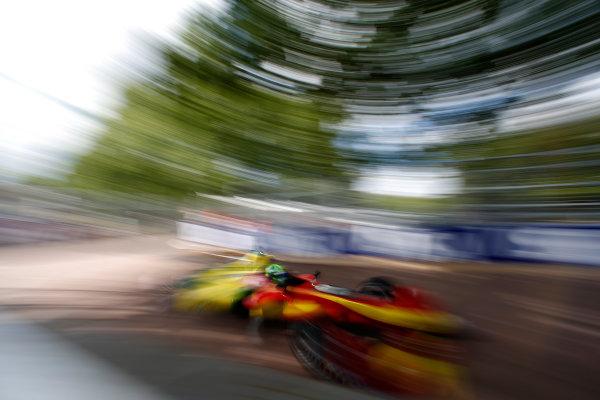 2014/2015 FIA Formula E Championship. London e-Prix, Battersea Park, London, UK. Saturday 27 June 2015. Lucas di Grassi (BRA)/Audi Abt Sport - Spark-Renault SRT_01E  World Copyright: Glenn Dunbar/LAT Photographic/Formula E. ref: Digital Image _W2Q0222