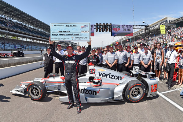Verizon IndyCar Series Indianapolis 500 Carb Day Indianapolis Motor Speedway, Indianapolis, IN USA Friday 26 May 2017 Will Power, Team Penske Chevrolet and crew celebrate the win of the pit stop competition.  World Copyright: Scott R LePage LAT Images ref: Digital Image lepage-170526-indy-10027