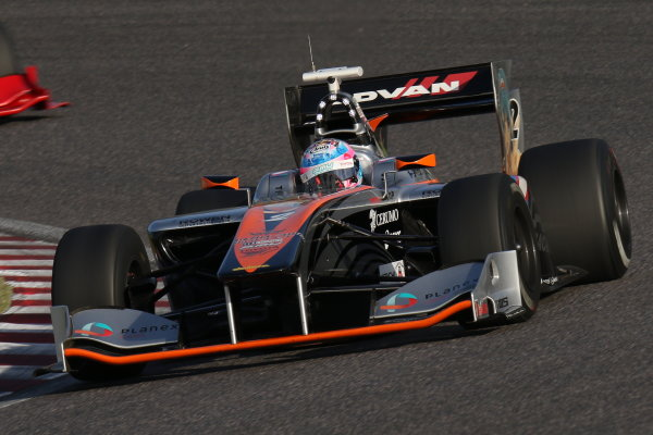 2016 Japanese Super Formula. Suzuka, Japan. 29th - 30th October 2016. Rd 7. Race 2 - 2016 Driver?s Champion Yuji Kunimoto  ( #2 P.MU/CERUMO ? INGING SF14 ) action. World Copyright : Yasushi Ishihara / LAT Photographic. Ref : 2016SF_Rd7_SUZUKA_033