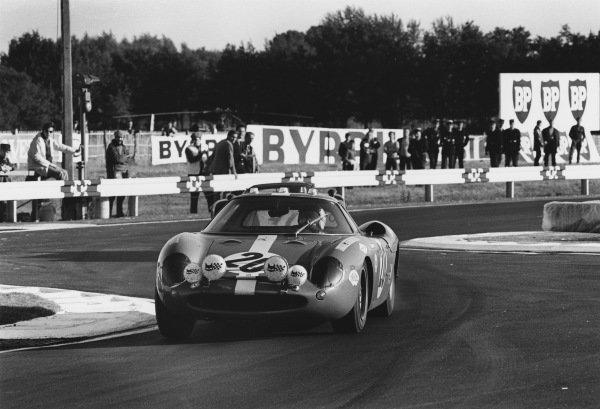 Le Mans, France. 28 - 29 September 1968.Herbert Muller/Jonathan Williams (Ferrari 250 LM), retired, action. World Copyright: LAT Photographic.Ref:  2172 - 37A.