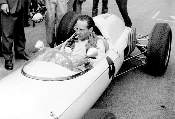 1962 Formula 1.Innes Ireland.Ref-10260, 40mb RGB scan.World Copyright: LAT Photographic