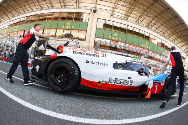 2017 Le Mans 24 Hours test day. Circuit de la Sarthe, Le Mans, France. Friday 2 June 2017 #1 Porsche Team Porsche 919 Hybrid: Neel Jani, Andre Lotterer, Nick Tandy World Copyright: Rainier Ehrhardt/LAT Images ref: Digital Image 24LM-testday-re-0097