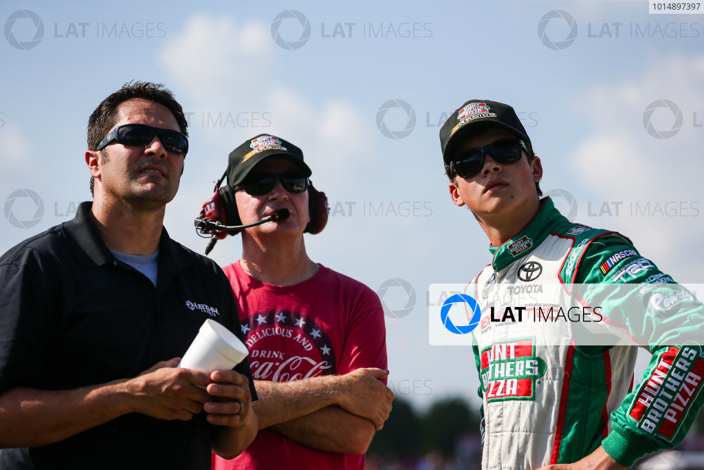NASCAR Camping World Truck Series Eldora Dirt Derby Eldora Speedway, Rossburg, OH USA Wednesday 19 July 2017 Harrison Burton, Hunt Brothers Pizza Toyota Tundra, Jeff Burton, and David Stremme World Copyright: Barry Cantrell LAT Images