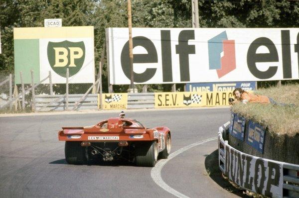 1971 Le Mans 24 hours. Le Mans, France. 12-13 June 1971. Chris Craft/David Weir (Ferrari 512M), 4th position. World Copyright: LAT Photographic Ref: 71LM20