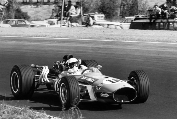 1968 South African Grand Prix.Kyalami, South Africa. 1 January 1968.Sam Tingle, LDS Mk5-Repco, retired, action.World Copyright: LAT PhotographicRef: 1840 #9