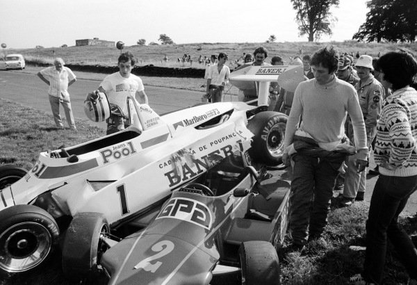 (L to R): Ayrton Senna (BRA) looks on at his West Surrey Racing Ralt Toyota RT3/83 which sits perched upon championship rival Martin Brundles (Right) (GBR) Eddie Jordan Racing Ralt RT3/83 Toyota (Leading), after they clashed whilst battling for the lead of the race. British Formula Three Championship, Oulton Park, England, 6 August 1983.