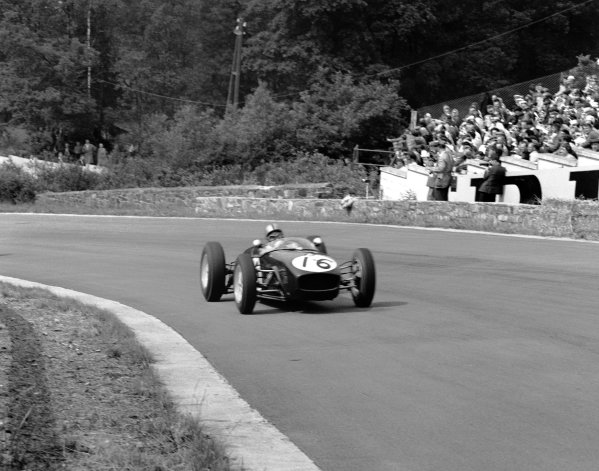 1960 Belgian Grand Prix. Spa-Francorchamps, Belgium. 19th June 1960. Alan Stacey (Lotus 18 - Climax), retired, action.  World Copyright: LAT Photographic. Ref:  6663.