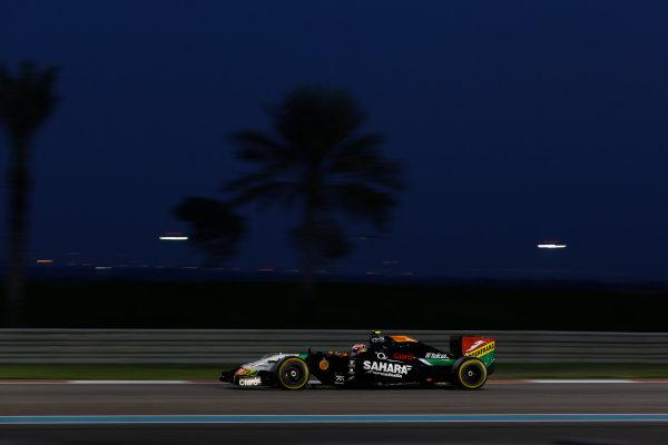 Yas Marina Circuit, Abu Dhabi, United Arab Emirates. Sunday 23 November 2014. Sergio Perez, Force India VJM07 Mercedes. World Copyright: Andrew Ferraro/LAT Photographic. ref: Digital Image _AND9448