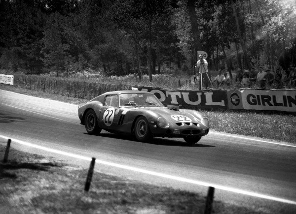 "Le Mans, France. 23rd - 24th June 1962.""Elde""/Jean Beurlys"" (Ferrari 250 GTO), 3rd position, action.World Copyright: LAT PhotographicRef: Autocar Glass Plate C66356."