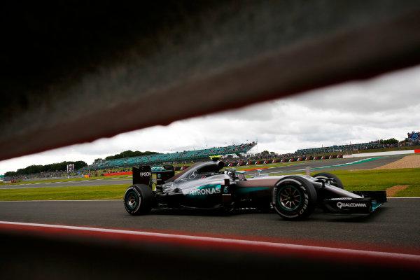 Silverstone, Northamptonshire, UK Friday 08 July 2016. Nico Rosberg, Mercedes F1 W07 Hybrid. World Copyright: Andy Hone/LAT Photographic ref: Digital Image _ONY7284