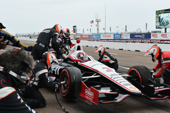 Helio Castroneves (BRA) Team Penske makes a pit stop. IndyCar Series, Rd1, Honda Grand Prix of St. Petersburg, St. Petersburg, Florida, USA, 22-24 March 2013.