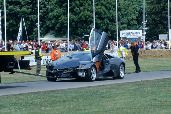 2004 Goodwood Festival of SpeedGoodwood House, Chichester, England. 25th - 27th June.Sometimes things don't go to plan as this Supercar shows.World Copyright: Jeff Bloxham/LAT Photographicref: 35mm Transparency Image.