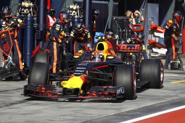 Max Verstappen (NED) Red Bull Racing RB13 pit stop at Formula One World Championship, Rd1, Australian Grand Prix, Race, Albert Park, Melbourne, Australia, Sunday 26 March 2017.