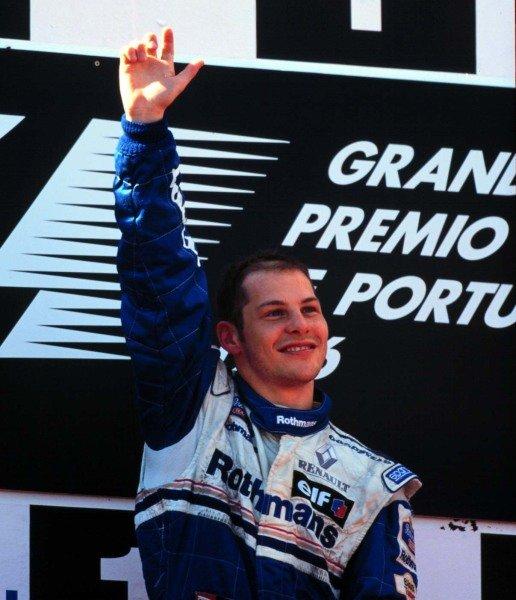 1996 Portuguese Grand Prix.Estoril, Portugal.20-22 September 1996.Jacques Villeneuve (Williams Renault) 1st position.World Copyright - LAT Photographic