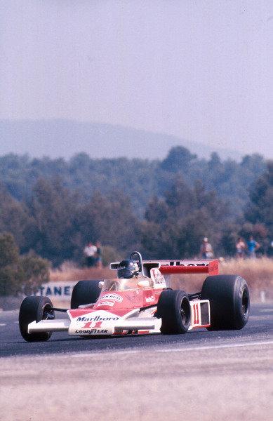 1976 French Grand Prix.Paul Ricard, Le Castellet, France.2-4 July 1976.James Hunt (McLaren M23 Ford) 1st position. Ref-76 FRA 02.World Copyright - LAT Photographic
